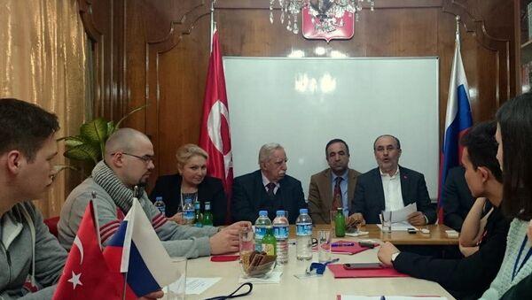 Türkiye-Rusya Parlamentolararası Dostluk Grubu Başkanı Salih Kapusuz - Sputnik Türkiye