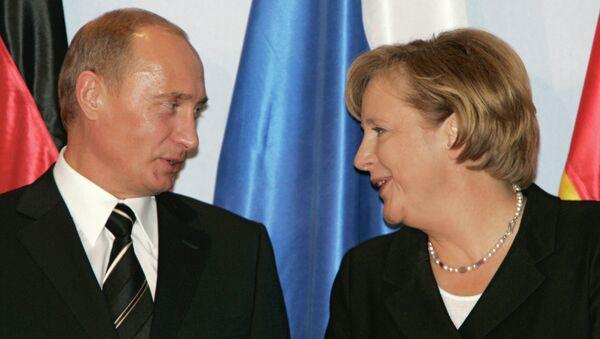 Rusya Devlet Başkanı Vladimir Putin - Almanya Başbakanı Angela Merkel - Sputnik Türkiye