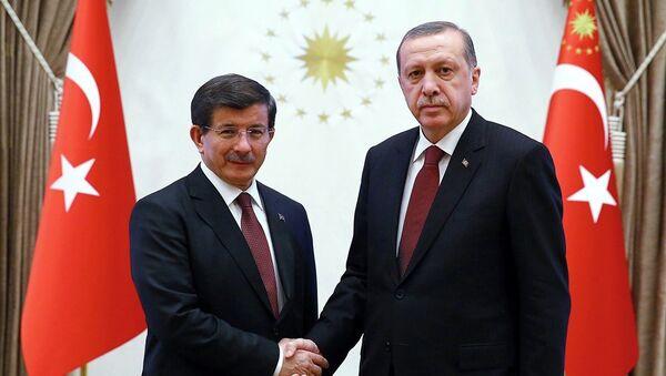 Başbakan Ahmet Davutoğlu- Cumhurbaşkanı Recep Tayyip Erdoğan - Sputnik Türkiye