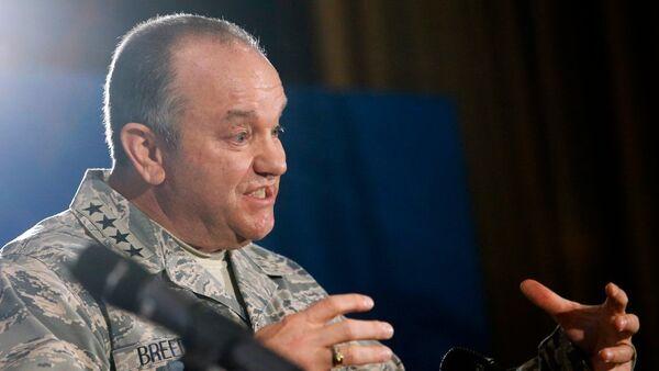 Avrupa Müttefik Kuvvetleri Yüksek Komutanı General Philip Breedlove - Sputnik Türkiye