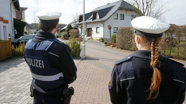Alman polisi, Germanwings uçağının çakılmasına yol açan pilotun evinde arama yapıyor - Sputnik Türkiye
