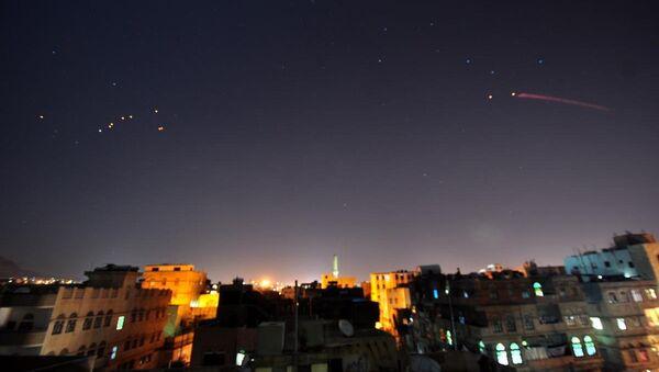 Yemen'deki 'Kararlılık Fırtınası' operasyonu - Sputnik Türkiye