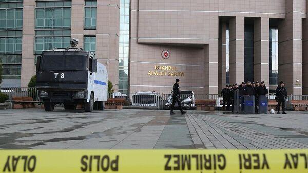 Berkin Elvan soruşturmasını yürüten savcı adliyede rehin alındı - Sputnik Türkiye