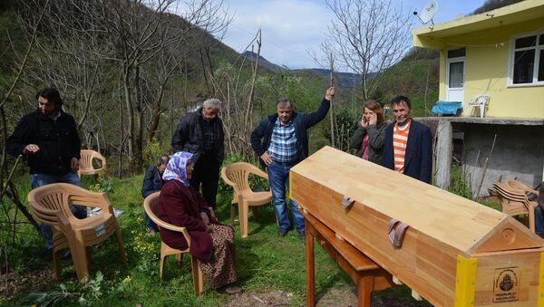 Şafak Yayla'nın cenazesi - Sputnik Türkiye