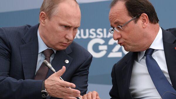Rusya Devlet Başkanı Vladimir Putin ve Fransa Cumhurbaşkanı François Hollande - Sputnik Türkiye