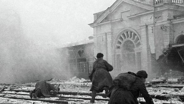 Nazi güçlerine karşı savaşan Sovyet askerleri - Sputnik Türkiye