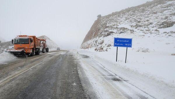 Kar yağışı ve buzlanma - Sputnik Türkiye