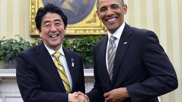 ABD Başkanı Barack Obama ve Japonya Başbakanı Şinzo Abe - Sputnik Türkiye
