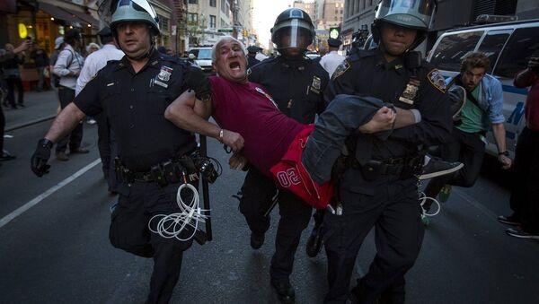 ABD'de polis şideeti karşıtı gösteriler - Sputnik Türkiye