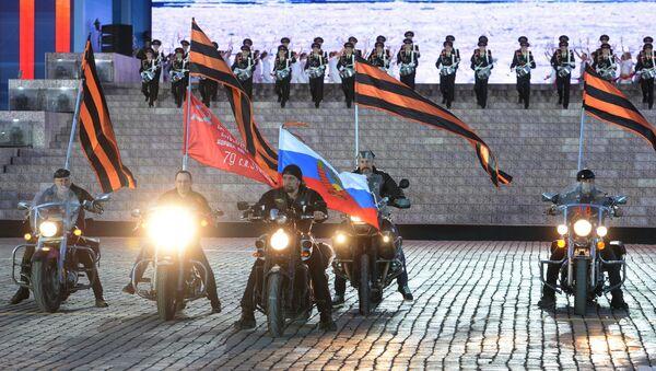 Gece Kurtları motosiklet grubunun geçişi... - Sputnik Türkiye
