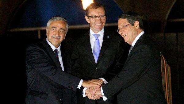 KKTC Cumhurbaşkanı Mustafa Akıncı, Rum lider Nikos Anastasiadis ve BM Genel Sekreteri'nin Kıbrıs Özel Danışmanı Espen Barth Eide - Sputnik Türkiye