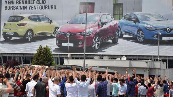 OYAK Renault fabrikasında - Sputnik Türkiye