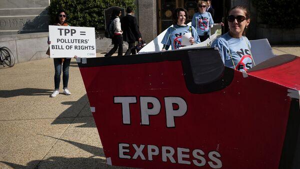 Trans-Pasifik Ortaklığı (TPP) karşıtı protestolar - Sputnik Türkiye