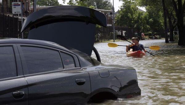 ABD'nin Teksas eyaletinde sel felaketi - Sputnik Türkiye