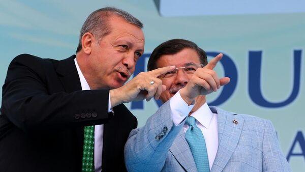 Recep Tayyip Erdoğan-Ahmet Davutoğlu - Sputnik Türkiye