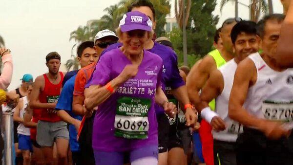92 yaşında maraton koştu - Sputnik Türkiye