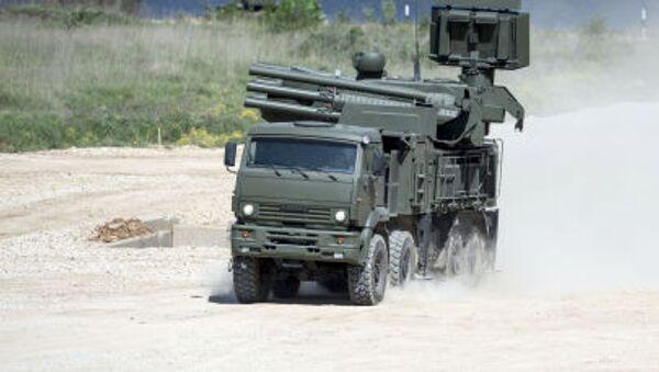 Kamaz-6560 üzerinde Pantsir-S uçaksavar füze ve top sistemi, Moskova Bölgesi'nde teçhizat sergisi sırasında. - Sputnik Türkiye