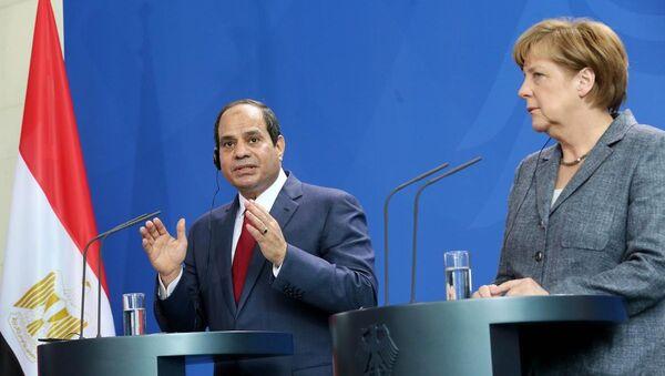 Abdülfettah El Sisi & Angela Merkel - Sputnik Türkiye