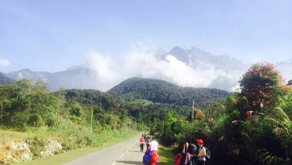 Malezya Kinabalu Dağı deprem - Sputnik Türkiye