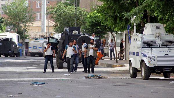 Diyarbakır'da silahlı saldırı - Sputnik Türkiye