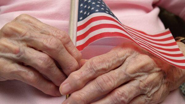 ABD bayrak, yaşlı - Sputnik Türkiye