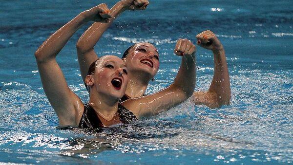 Avrupa Oyunları yüzme düet finalinde Rus sporcular Valeriya Filenkova ve Daria Kulagina - Sputnik Türkiye