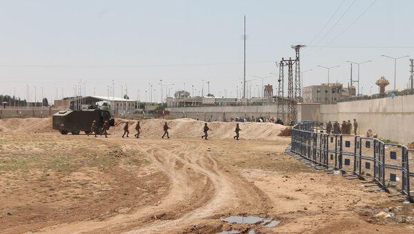 TSK, Suriye sınırında açılacak her türlü ateşe misillemede bulunulması emri vermişti. - Sputnik Türkiye
