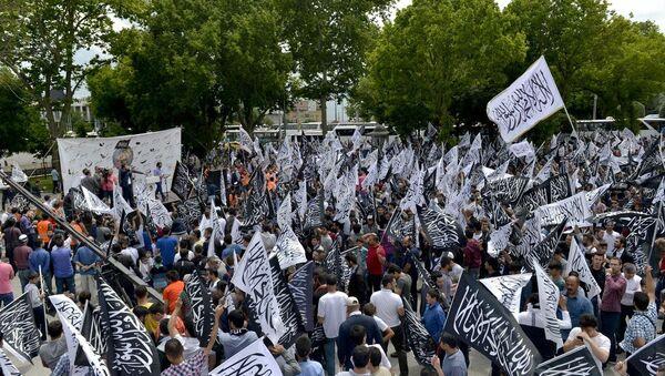 İstanbul'da Hizb-ut Tahrir yürüyüşü - Sputnik Türkiye