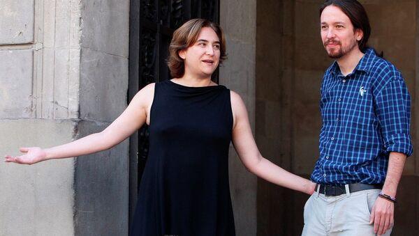 Barcelona Belediye Başkanı Maya Cadou- Podemos lideri Pablo Iglesias - Sputnik Türkiye