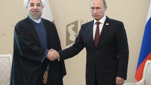 Rusya Devlet Başkanı Vladimir Putin ve İran Cumhurbaşkanı Hasan Ruhani - Sputnik Türkiye