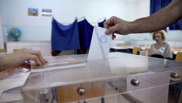 Referandum hem Yunanistan'ın kaderini hem de Başbakan Aleksis Çipras'ın siyasi geleceğini belirleyecek. - Sputnik Türkiye