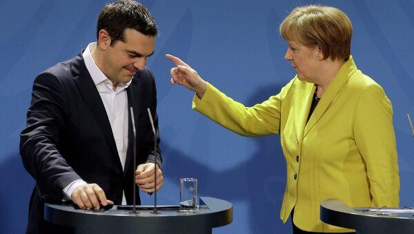 Almanya Başbakanı Angela Merkel ve Yunanistan Başbakanı Aleksis Çipras - Sputnik Türkiye