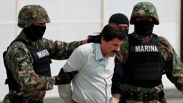 Uyuşturucu baronu 'El Chapo' hapisten kaçtı - Sputnik Türkiye