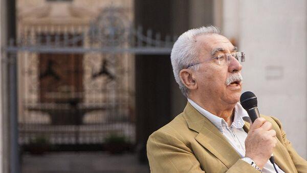 İtalyan gazeteci ve eski AP üyesi Giulietto Chiesa - Sputnik Türkiye