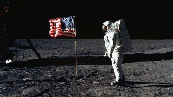 46 yıl önce Ay'da böyle yürüdüler - Sputnik Türkiye