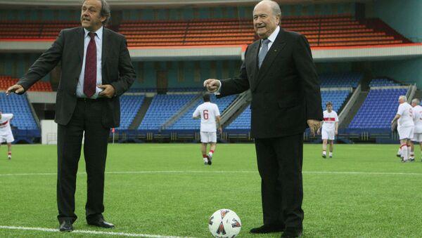 UEFA Başkanı Michel Platini- FIFA Başkanı Sepp Blatter - Sputnik Türkiye