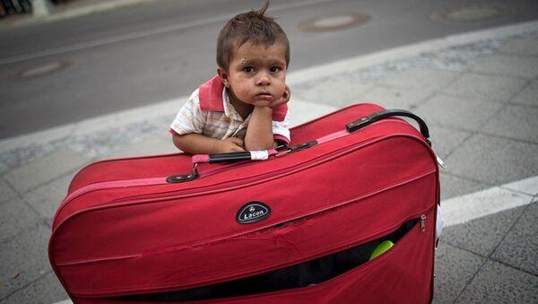 çocuk, göçmen, yolcu, mülteci - Sputnik Türkiye