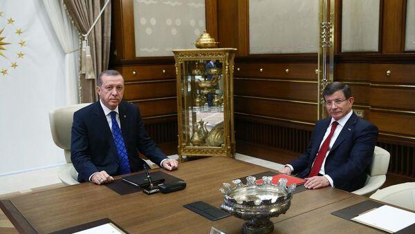 Recep Tayyip Erdoğan & Ahmet Davutoğlu - Sputnik Türkiye