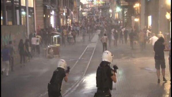 Taksim'de göstericilere müdahale - Sputnik Türkiye