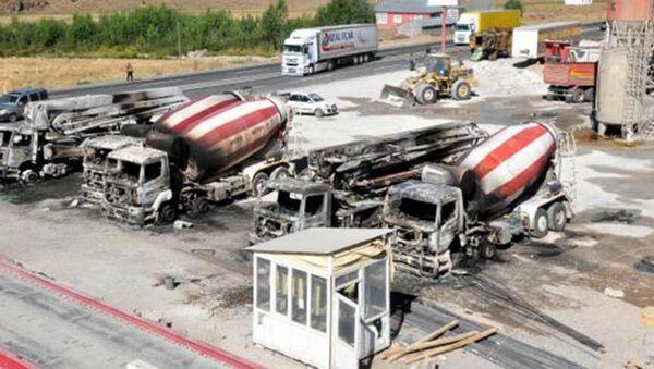 Ağrı Patnos yakılan iş makineleri - Sputnik Türkiye