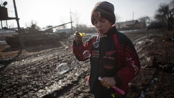 Donetsk'ten bir çocuk - Sputnik Türkiye