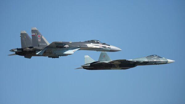 Su-35 ve T-50 uçağı - Sputnik Türkiye