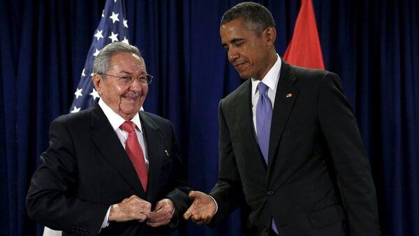 Küba lideri Raul Castro- ABD Başkanı Barack Obama - Sputnik Türkiye