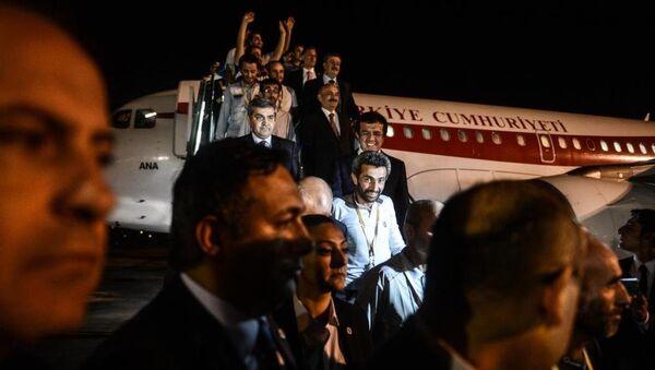 Kaçırılan Türk işçiler yurda döndü - Sputnik Türkiye