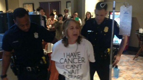 Kanser hastası Zahara Heckscher Atlanta'da gözaltına alındı - Sputnik Türkiye