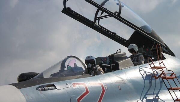 Lazkiye'deki Hmeimim Hava Üssü'ndeki Rus jetleri / Fotojet - Sputnik Türkiye