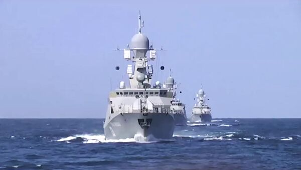 Rus donanması IŞİD'i Hazar Denizi'nden vurdu - Sputnik Türkiye