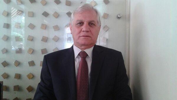Sputnik'in sorularını yanıtlayan Türki El Hasan, hava saldırılarının kara operasyonları için uygun ortam oluşturulması için yapıldığını belirtti. - Sputnik Türkiye