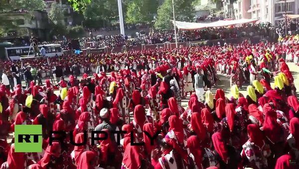 Hindistan'da 10 bin kişilik dans gösterisi - Sputnik Türkiye