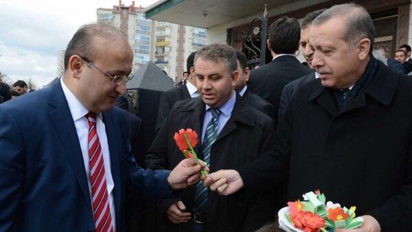 Yalçın Akdoğan,  Recep Tayyip Erdoğan'a en yakın isimlerden biriydi. - Sputnik Türkiye